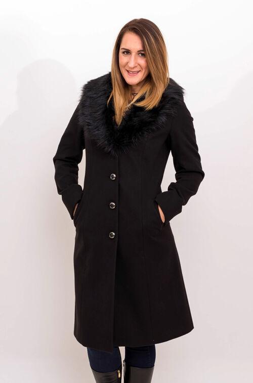 29e4327f4c Fekete szövetkabát - Divatos ruhák magas nőknek - Magasnőknek.hu ...